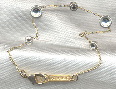 All about collectible vintage jewelry and accessories